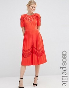 Плиссированное платье миди с кружевными вставками ASOS PETITE Premium - Красный
