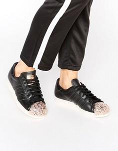 Черные кроссовки с металлической вставкой на носке adidas Originals Superstar - Черный
