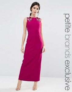 Платье макси без рукавов с цветочной отделкой на плечах Little Mistress Petite - Розовый