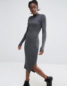 Трикотажное платье в рубчик с высокой горловиной Monki - Серый