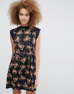 Короткое приталенное платье с цветочным принтом Pussycat London - Мульти