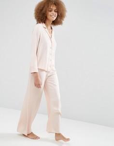 Пижамный комплект из атласных жаккардовых рубашки и широких брюк в горошек ASOS Newton - Бежевый