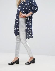 Зауженные джинсы с оттенком металлик Vila - Серебряный
