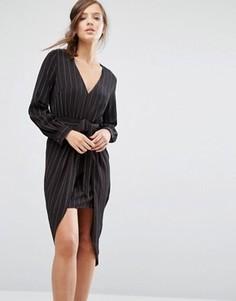 Платье в тонкую полоску с длинными рукавами и завязкой спереди Parallel Lines - Черный
