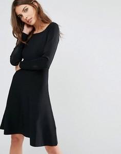Трикотажное платье с вырезом лодочкой Y.A.S Dorota - Черный