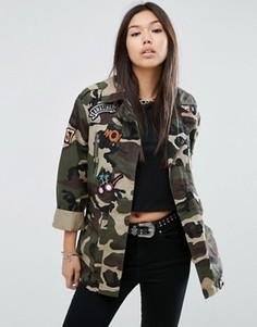 Камуфляжная куртка с нашивками ASOS - Мульти