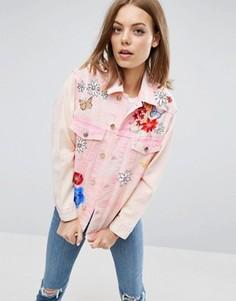 Розовая джинсовая куртка с цветочным рисунком ASOS - Розовый