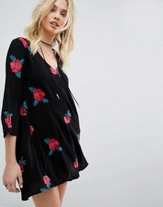 Свободное платье с розами Honey Punch - Черный