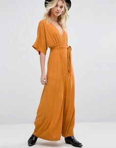 Платье макси с запахом спереди и выжженным цветочным рисунком Honey Punch - Оранжевый