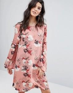 Цельнокройное платье с цветочным принтом Vila - Розовый