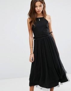 Платье со шнуровкой по бокам и юбкой из тюля Moon River - Черный