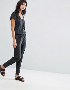 Комбинезон с поясом на талии Selected Femme - Серый