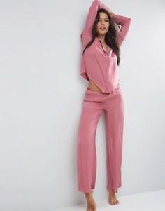 Пижамный комплект из атласных жаккардовых рубашки и широких брюк в горошек ASOS Newton - Розовый