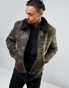 Куртка из искусственной цигейки с камуфляжным принтом ASOS - Зеленый