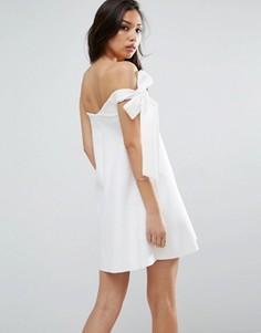 Платье-трапеция мини на одно плечо ASOS - Белый