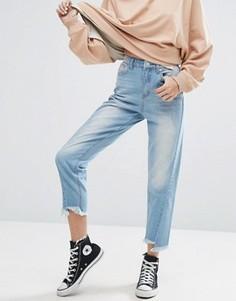 Джинсы в винтажном стиле с декоративными швами и асимметричными краями Boohoo - Синий