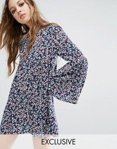 Свободное платье с цветочным принтом Milk It Vintage - Синий