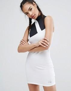 Платье с высоким сетчатым воротом adidas Originals Berlin - Белый