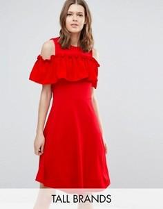 Приталенное платье с открытыми плечами и оборкой Y.A.S Tall Nina - Красный