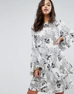Платье мини с принтом и оборкой Stevie May - Мульти