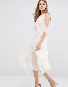 Платье с вырезами на плечах Keepsake Say You Will - Кремовый