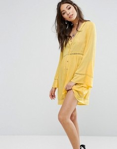 Чайное платье на пуговицах с ажурной отделкой Kiss The Sky - Желтый