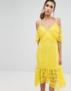 Кружевное платье миди с открытыми плечами Three Floor - Желтый