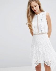 Кружевное платье с асимметричным нижним краем Miss Selfridge - Белый