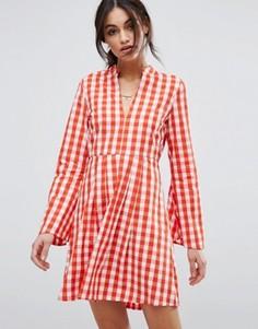 Приталенное платье мини в клетку с рукавами клеш Vero Moda - Мульти