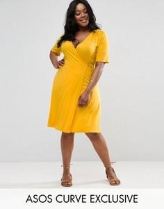 Чайное платье миди с запахом и сборками на плечах ASOS CURVE - Желтый