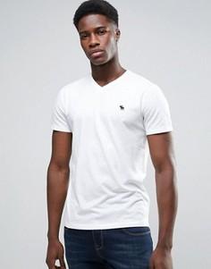 Белая узкая футболка с V-образным вырезом Abercrombie & Fitch - Белый