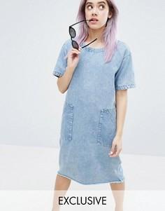 Платье с эффектом кислотной стирки и бахромой по краю Monki - Синий