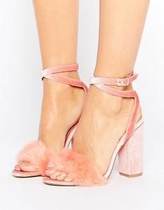 Розовые бархатные босоножки на каблуке с искусственным мехом Truffle Collection - Розовый