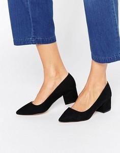 Туфли на среднем каблуке с острым носком Carvela Knock - Черный