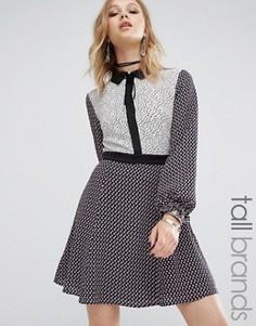 Платье с комбинированными принтами и контрастным воротником Glamorous Tall - Мульти