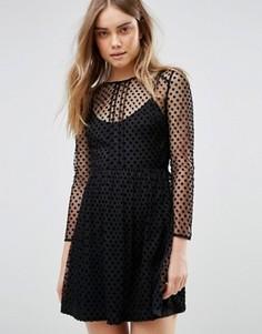 Приталенное платье в бархатный горошек Jack Wills - Черный