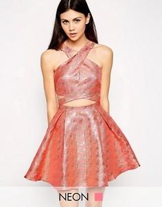 Платье для выпускного с перекрестным передом Lashes of London - Розовый