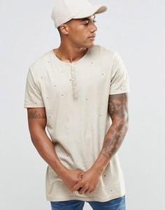 Длинная футболка с воротом на пуговицах и дырками ASOS - Бежевый