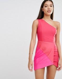 Облегающее платье со вставками Rare London - Розовый