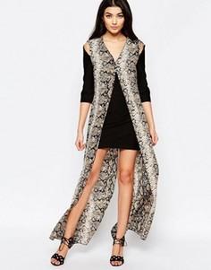 Цельнокройное платье с длинной накладкой со змеиным принтом Liquorish - Черный