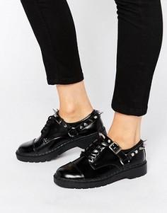 Массивные кожаные туфли на шнуровке с заклепками T.U.K. - Черный TUK