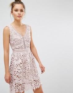 Кружевное короткое приталенное премиум‑платье New Look - Розовый