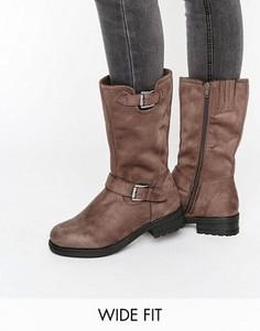 Высокие байкерские ботинки из искусственной замши для широкой стопы New Look - Серый