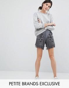 Атласные шорты с вышивкой бисером, аппликацией и бахромой Starry Eyed Petite - Серый