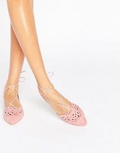 Пыльно-розовые туфли на плоской подошве с заостренным носком и шнуровкой Glamorous - Розовый