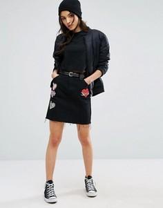 Мини-юбка с нашивками в виде сердца Glamorous - Черный