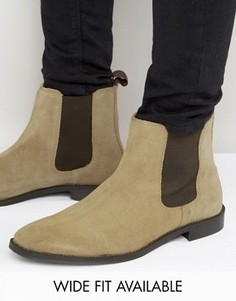 Бежевые замшевые ботинки челси со вспомогательной петлей ASOS - Доступна модель для широкой стопы - Stone