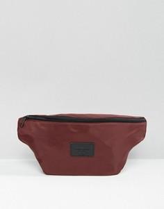 Бордовая сумка-кошелек на пояс с эффектом атласа ASOS - Красный