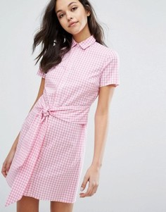 Платье-рубашка в клеточку с завязкой спереди Miss Selfridge - Розовый