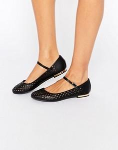 Туфли с ремешком и перфорацией Truffle Collection Lulu - Черный